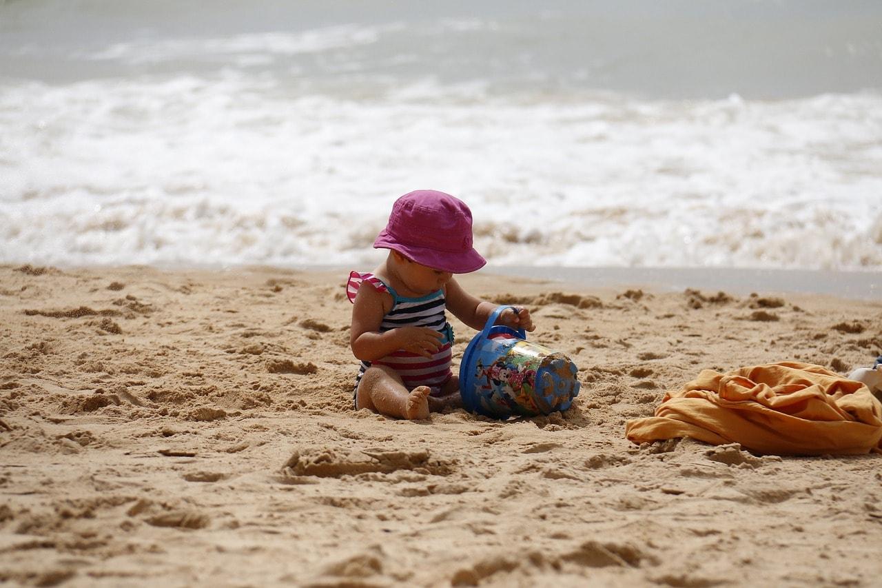 las-mejores-playas-de-menorca-para-ir-con-ninos